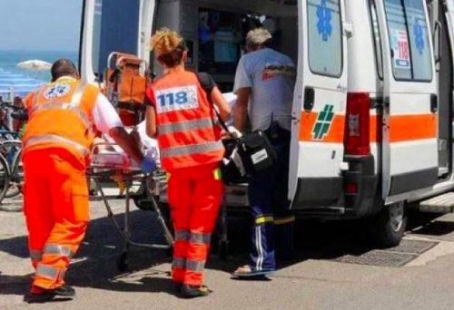 Tromba d'aria sulla spiaggia in Sardegna, feriti due bambini