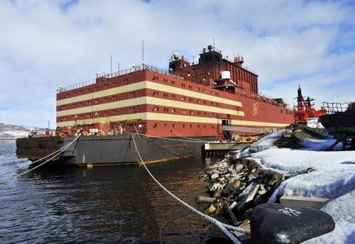 Artico: Russia avrà la prima centrale nucleare galleggiante