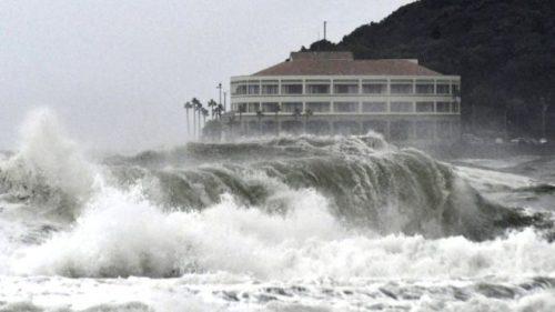 Tifone Krosa: il Giappone evacua 570.000 persone