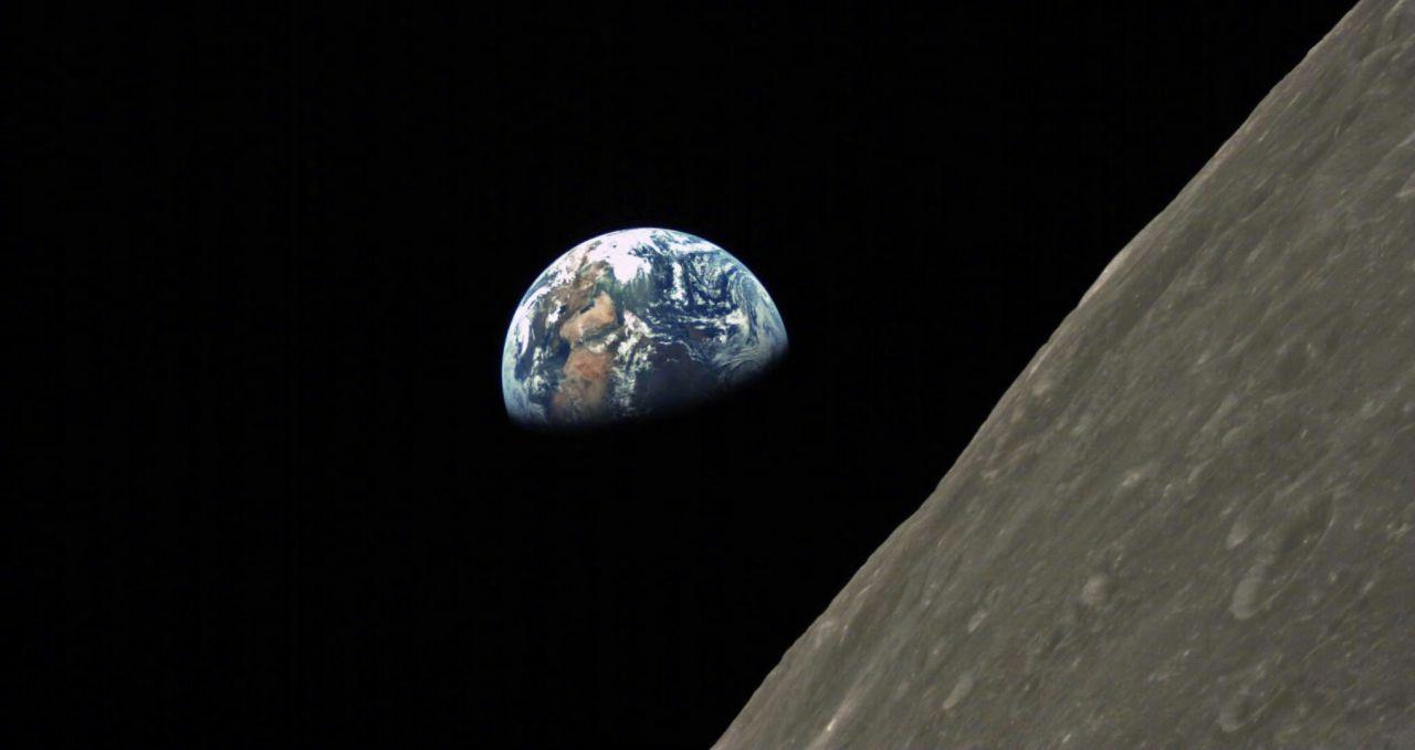 Spazio: satellite cinese precipita sulla Luna