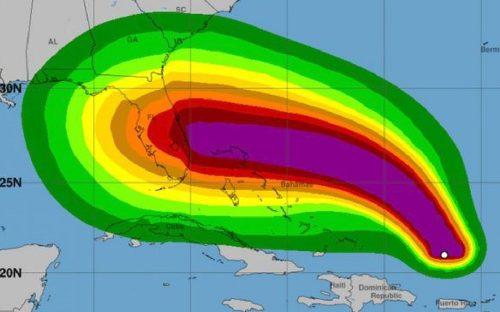 Uragano Dorian sempre più pericoloso: categoria 4, cambiata la traiettoria
