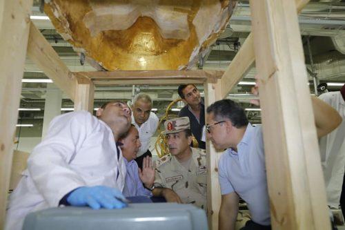 Tutankhamon: mostrato per la prima volta l'interno della tomba