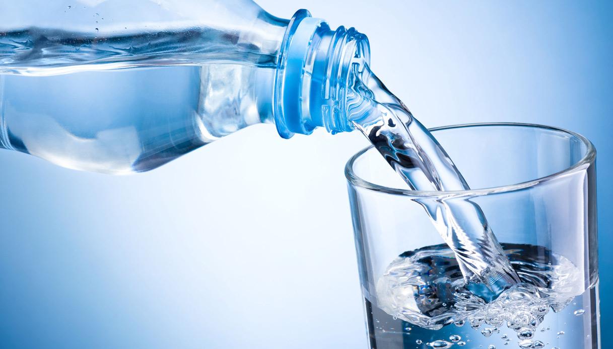 Detersivo in acqua minerale: maxi ritiro dai supermercati