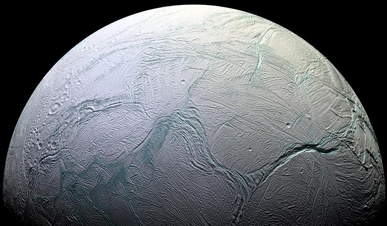Spazio: 'cannoni sparaneve' su Encelado? La scoperta