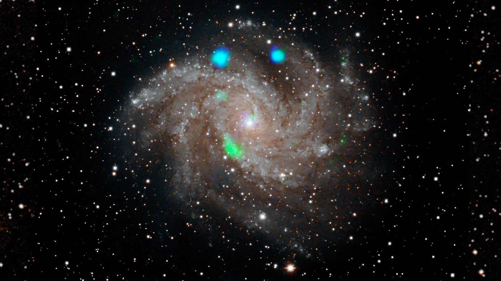 Spazio: un improvviso 'lampo verde' dalla galassia Fireworks
