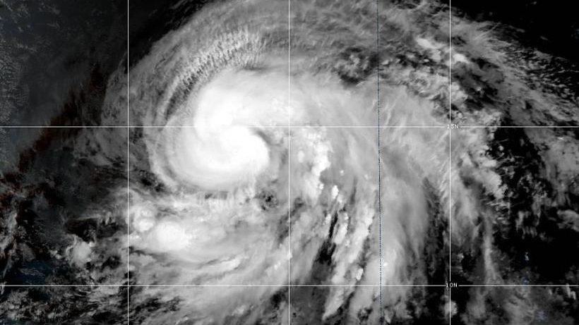 Lorenzo è l'uragano più potente mai visto nell'Atlantico tropicale