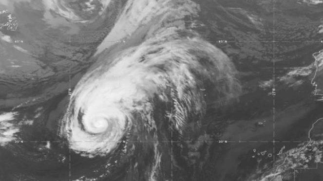 Uragano Lorenzo: in arrivo il landfall sulle Azzorre