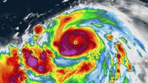 Giappone: Hagybis si avvicina. Un terremoto colpisce la costa