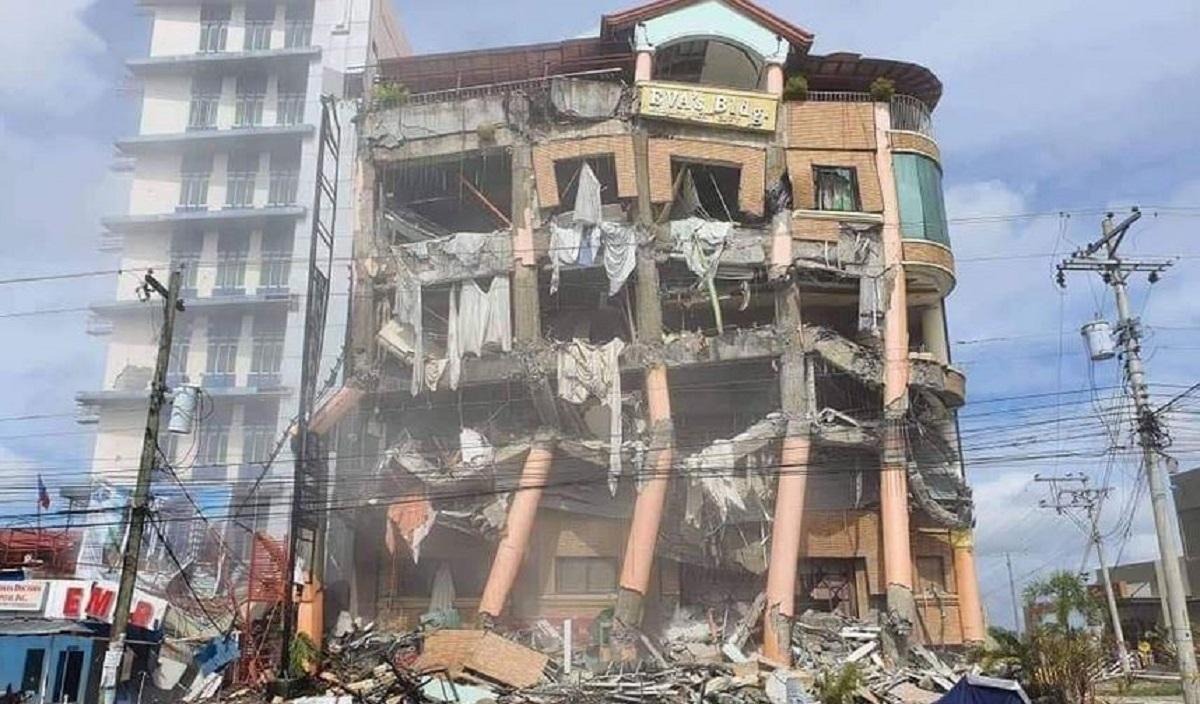 Nuovo terremoto M 6.5 nelle Filippine, ancora crolli. Torna la paura