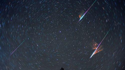 Astronomia, serata imperdibile: cinque pianeti visibili in una sola notte. E non solo