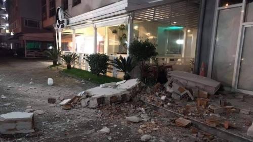 Potente terremoto colpisce l'Albania, trema il sud Italia. Le prime immagini