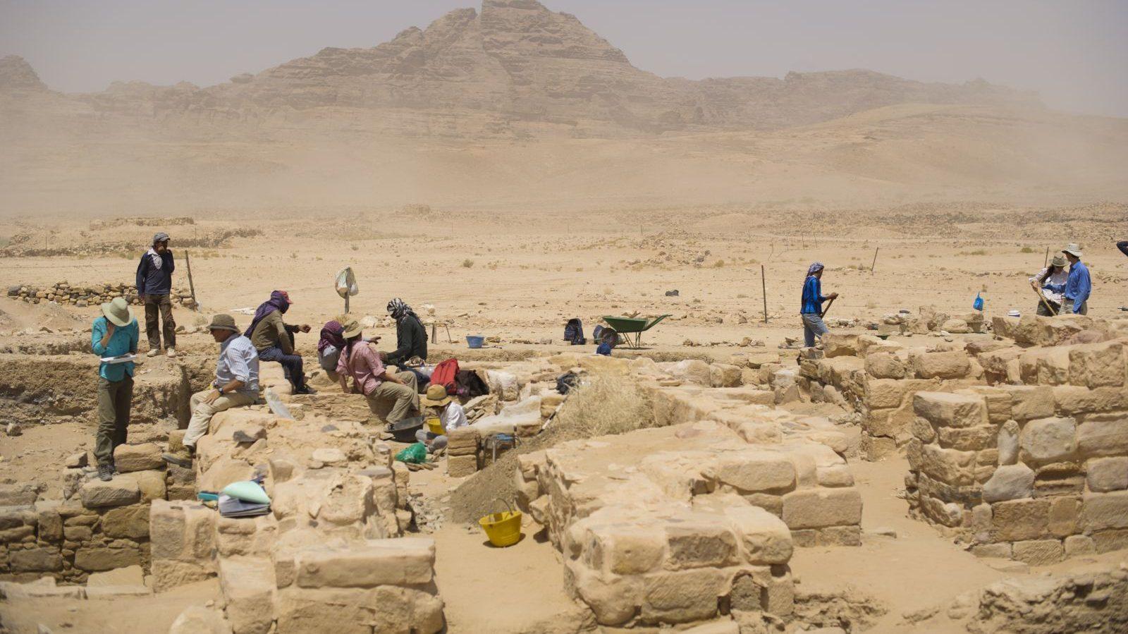 Giordania: scoperto il frammento di scacchi più  antico al mondo
