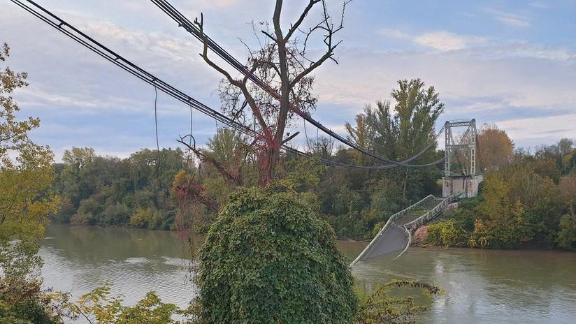 Crolla ponte in Francia: auto e camion precipitano nel fiume