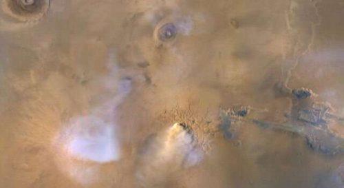 """Marte: avvistate 'torri di polvere"""" nell'atmosfera del pianeta rosso"""