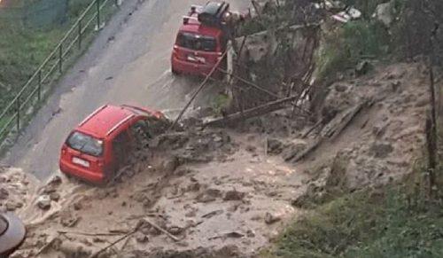Tre frane sconvolgono Ceriana: strade bloccate dal fango e auto distrutte