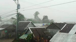Filippine, arriva il tifone Tisoy: 200mila evacuati dalla costa