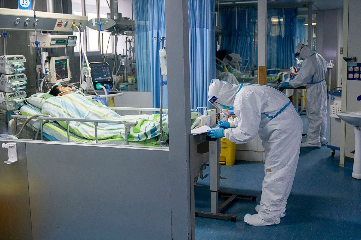 Cina: morto il primo medico per il coronavirus