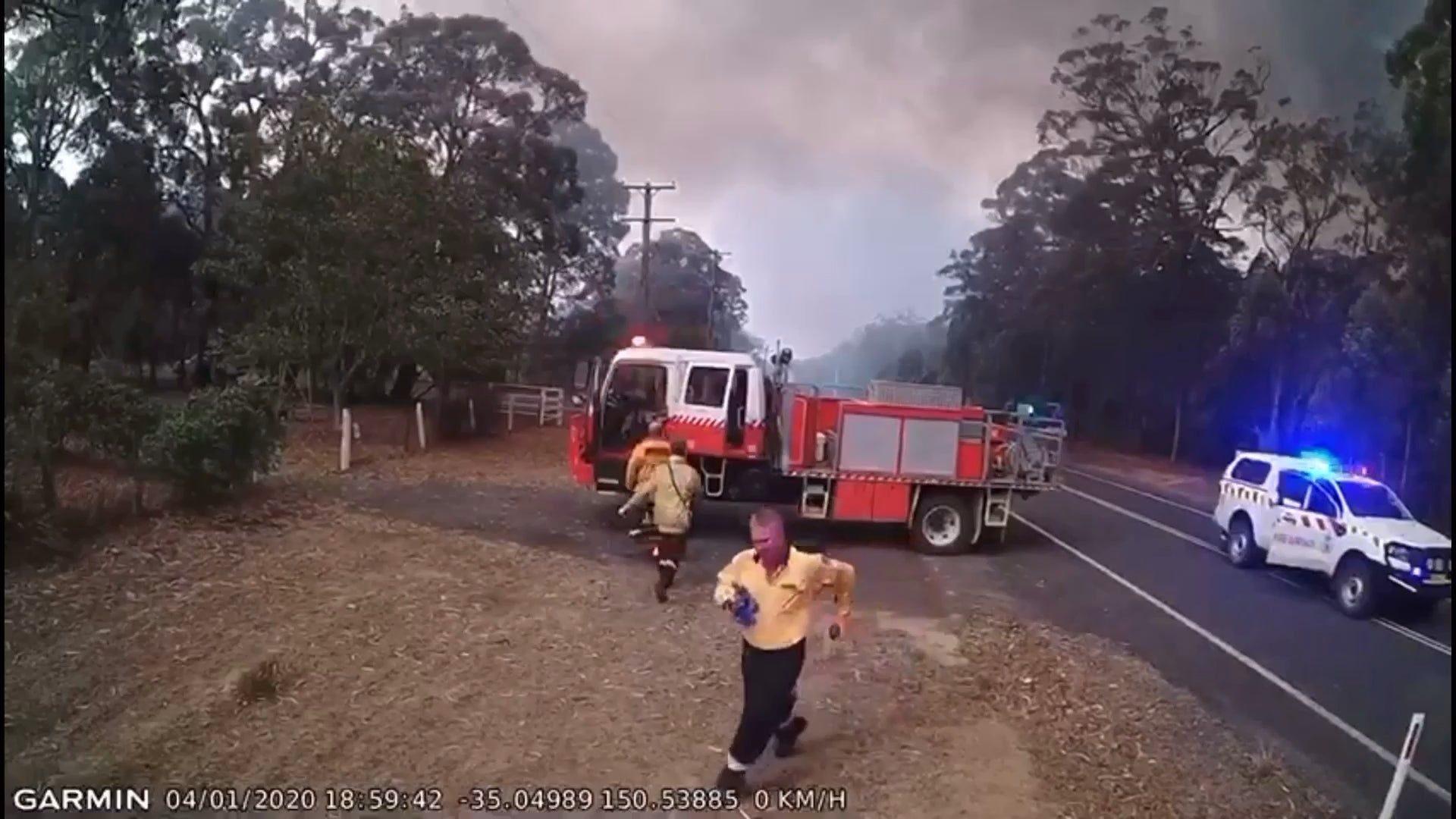 Australia: video mostra l'incredibile velocità con cui si diffonde un incendio