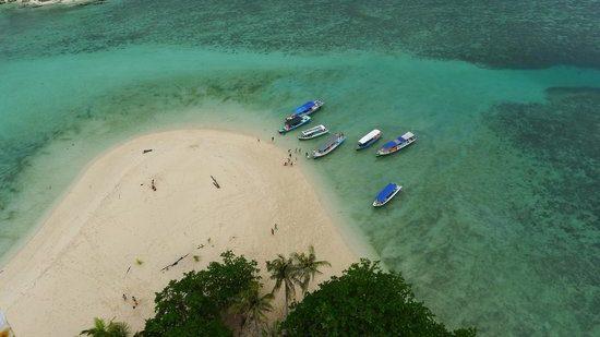 Indonesia: l'aumento del livello degli oceani inghiotte due isole