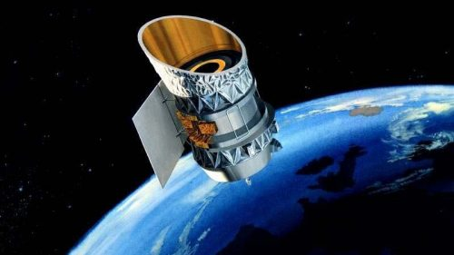Spazio: due satelliti potrebbero scontrarsi. L'annuncio degli esperti