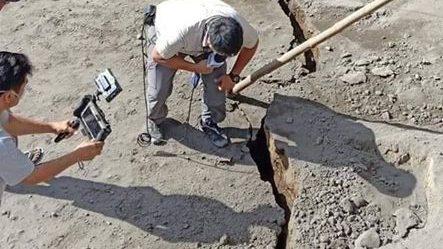 Vulcano Taal: enormi fratture nel terreno terrorizzano gli abitanti