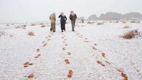 Nevicata storica in Arabia Saudita: le immagini