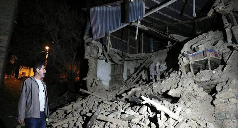 Terremoto in Turchia: scossa di magnitudo 6.8 provoca crolli e morti
