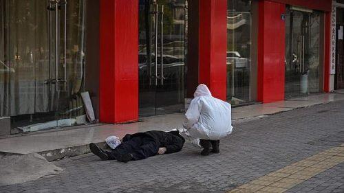 Wuhan: morti in strada nella città del Coronavirus