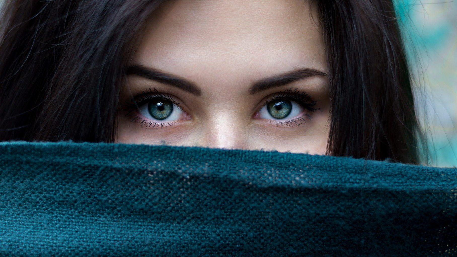 Come prevenire le occhiaie ed eliminare con un rimedio naturale