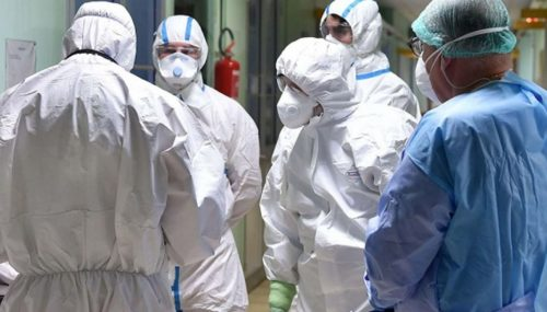 Coronavirus, ricoverati in terapia intensiva: padre muore, il figlio si salva