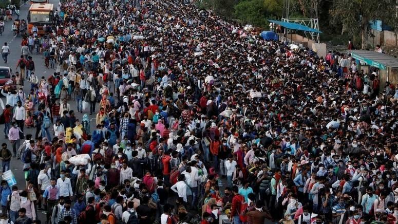 India: il lockdown riversa milioni di persone in strada. Si tema catastrofe sanitaria