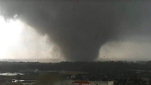 Stati Uniti: tornado devasta Jonesboro, in Arkansas