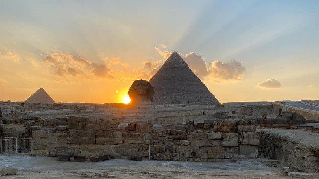 Egitto: il Sole tramonta sulla spalla della Sfinge nel giorno dell'equinozio