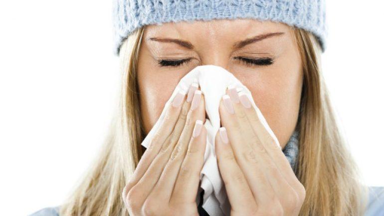 Raffreddore e bruciore agli occhi: ecco come distinguere le allergie dal Coronavirus