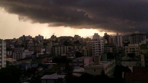 Brasile: violentissimo temporale causa 25 morti