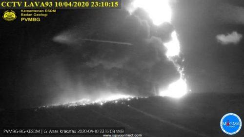 Indonesia: erutta il Krakatoa, forte esplosione avvertita a Giacarta