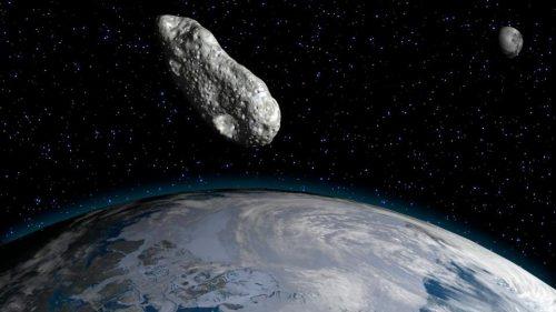 Spazio: un asteroide tra la Terra e la Luna