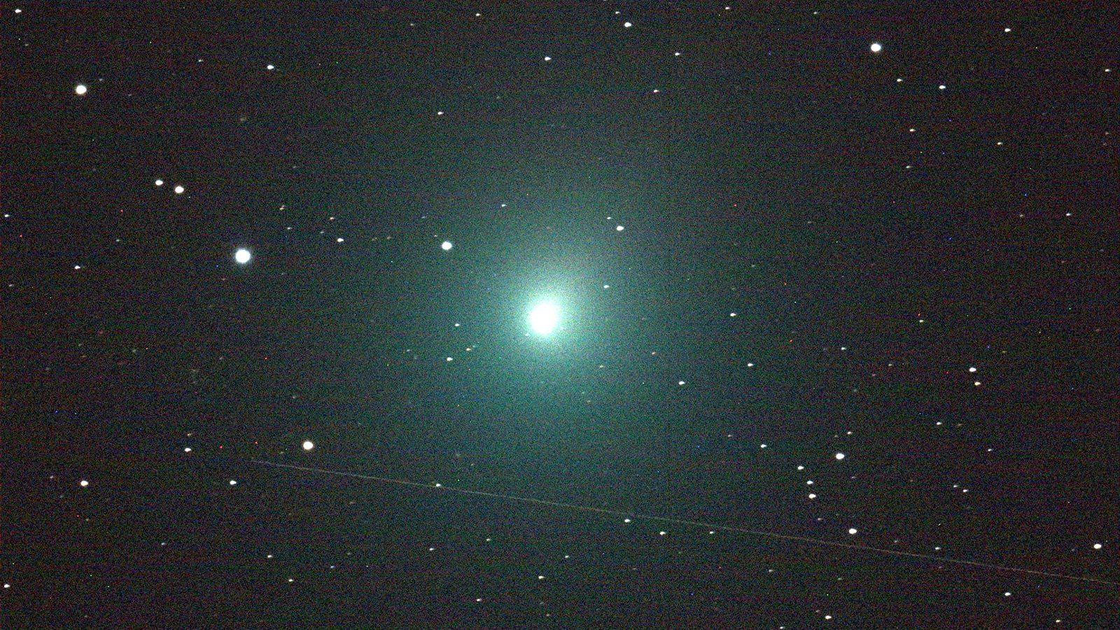"""Atlas: dopo seimila anni torna a farci visita la cometa """"con due code"""""""