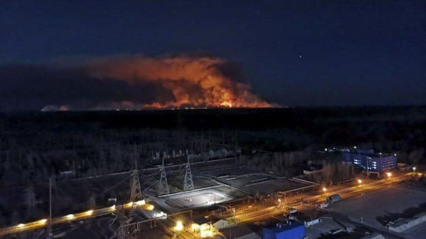 Chernobyl: le fiamme a 2 chilometri dal deposito radioattivo di Pidlisny