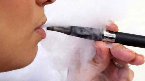 Salute: le sigarette elettroniche aumentano le possibilità di contagio?