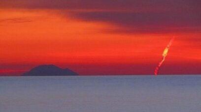 Meteoroide su cieli del Sud Italia al tramonto