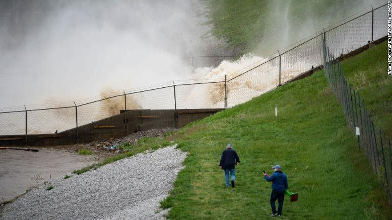 Michigan: cede la diga di Edenville. Oltre 10mila evacuati