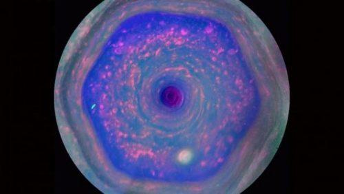 Spazio: rivelata la natura dell'esagono di Saturno
