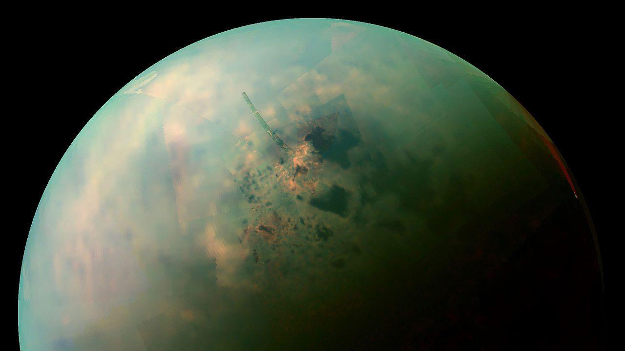 Spazio: Titano si sta allontanando da Saturno molto velocemente
