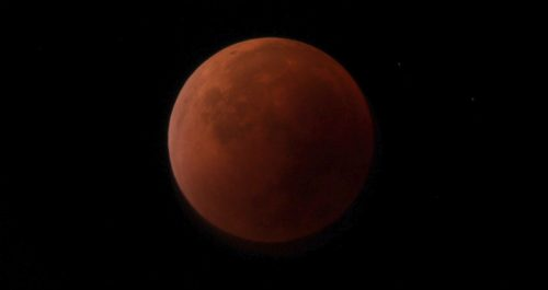 Eclissi penombrale di Luna il 5 giugno: cos'è e come osservarla