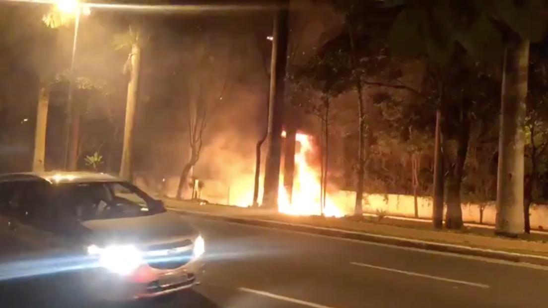 Brasile: aereo precipita a San Paolo. Paura in strada