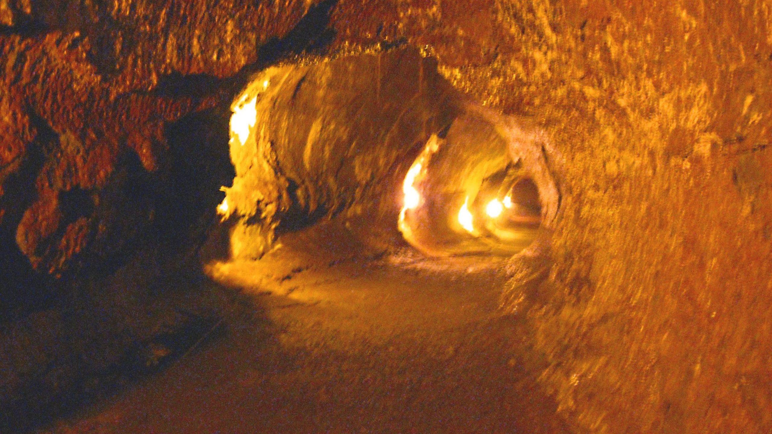 Spazio: i tunnel su Marte e Luna potrebbero ospitare forme di vita