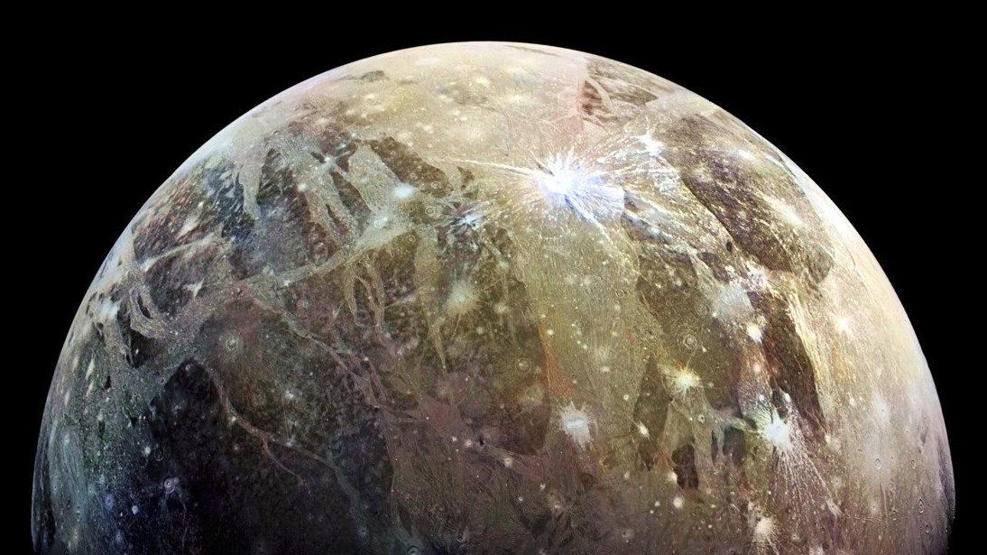 Spazio: scoperto il cratere più grande del Sistema Solare