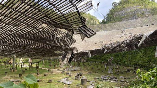 Arecibo: cede cavo metallico, struttura del radiotelescopio distrutta