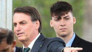 Bolsonaro: anche il figlio positivo al COVID-19. Morta la nonna della first lady